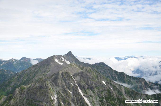 北穂高岳山荘から見る槍ヶ岳