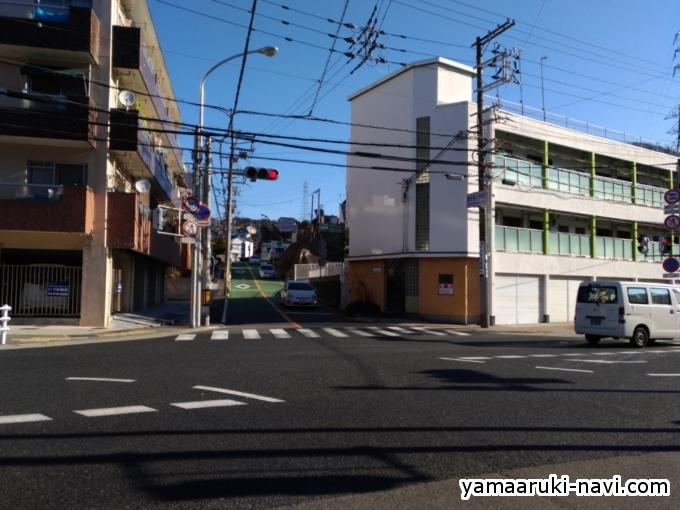 妙法寺小学校前