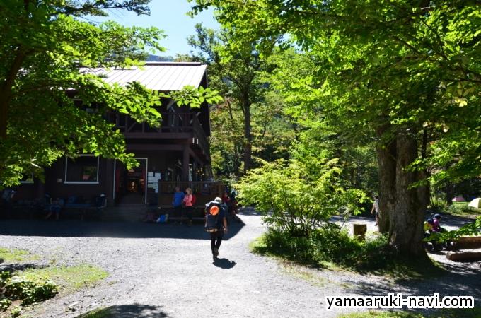 横尾から徳沢への登山道