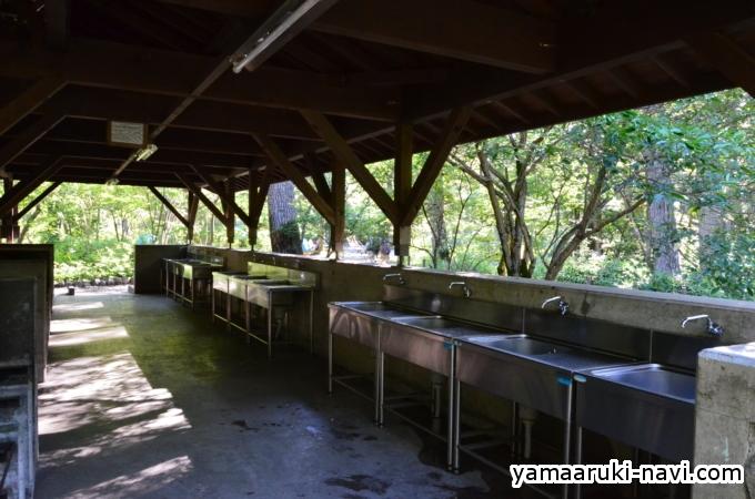 小梨平キャンプ場の水場