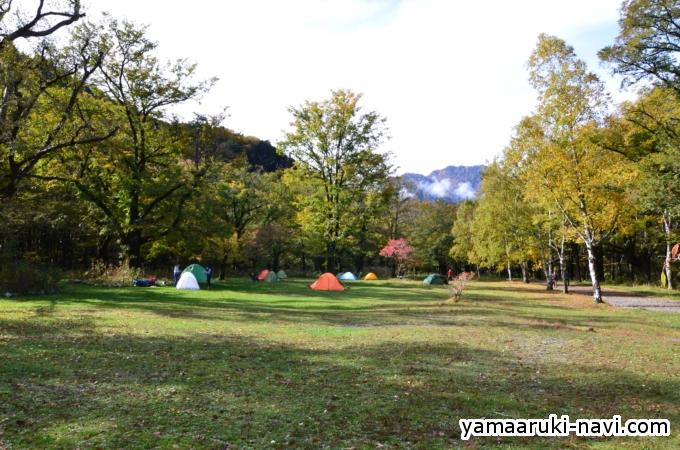 徳澤園より見た徳沢キャンプ場