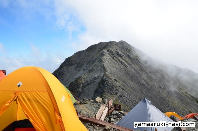 テント場と大喰岳