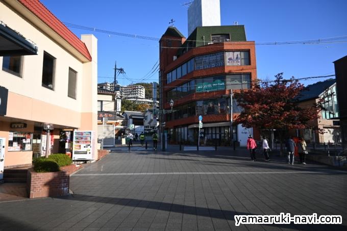 箕面駅 駅前